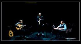 """Amoeba trio """"Dis-Orient"""""""